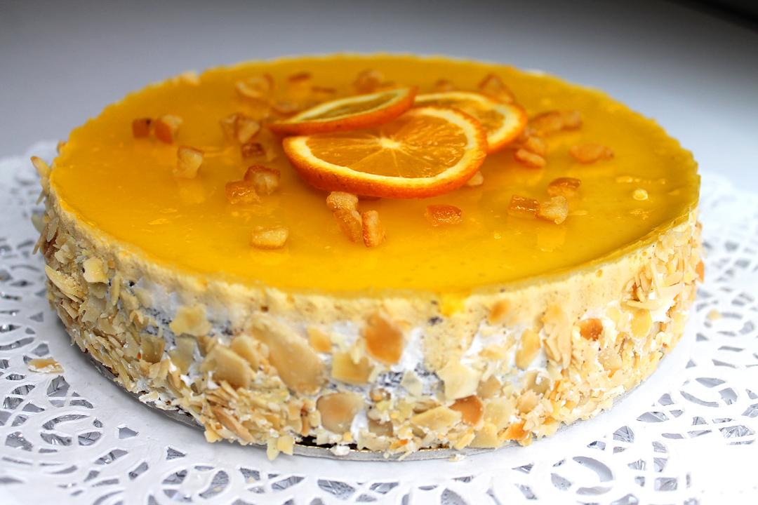"""Gluténmentes, lisztmentes, tejmentes, laktózmentes, tartósítószer-mentes, térfogatnövelő-mentes, habosítómentes, ízfokozómentes, színezékmentes, idegméregmentes, mindenmentes, egészséges, Paleo Narancsos """"Nigella"""" torta"""