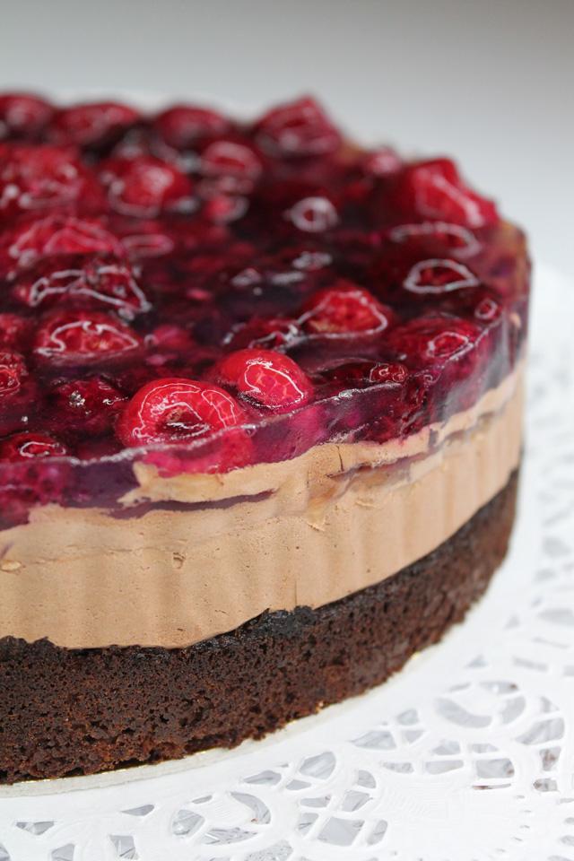 Gluténmentes, lisztmentes, cukormentes, tejmentes, laktózmentes, tartósítószer-mentes, térfogatnövelő-mentes, habosítómentes, ízfokozómentes, színezékmentes, idegméregmentes, mindenmentes, egészséges, Paleo Málnás csokimousse torta
