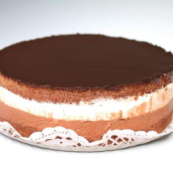 Gluténmentes, lisztmentes, cukormentes, tejmentes, laktózmentes, tartósítószer-mentes, térfogatnövelő-mentes, habosítómentes, ízfokozómentes, színezékmentes, idegméregmentes, mindenmentes, egészséges, Paleo Rigó Jancsi torta